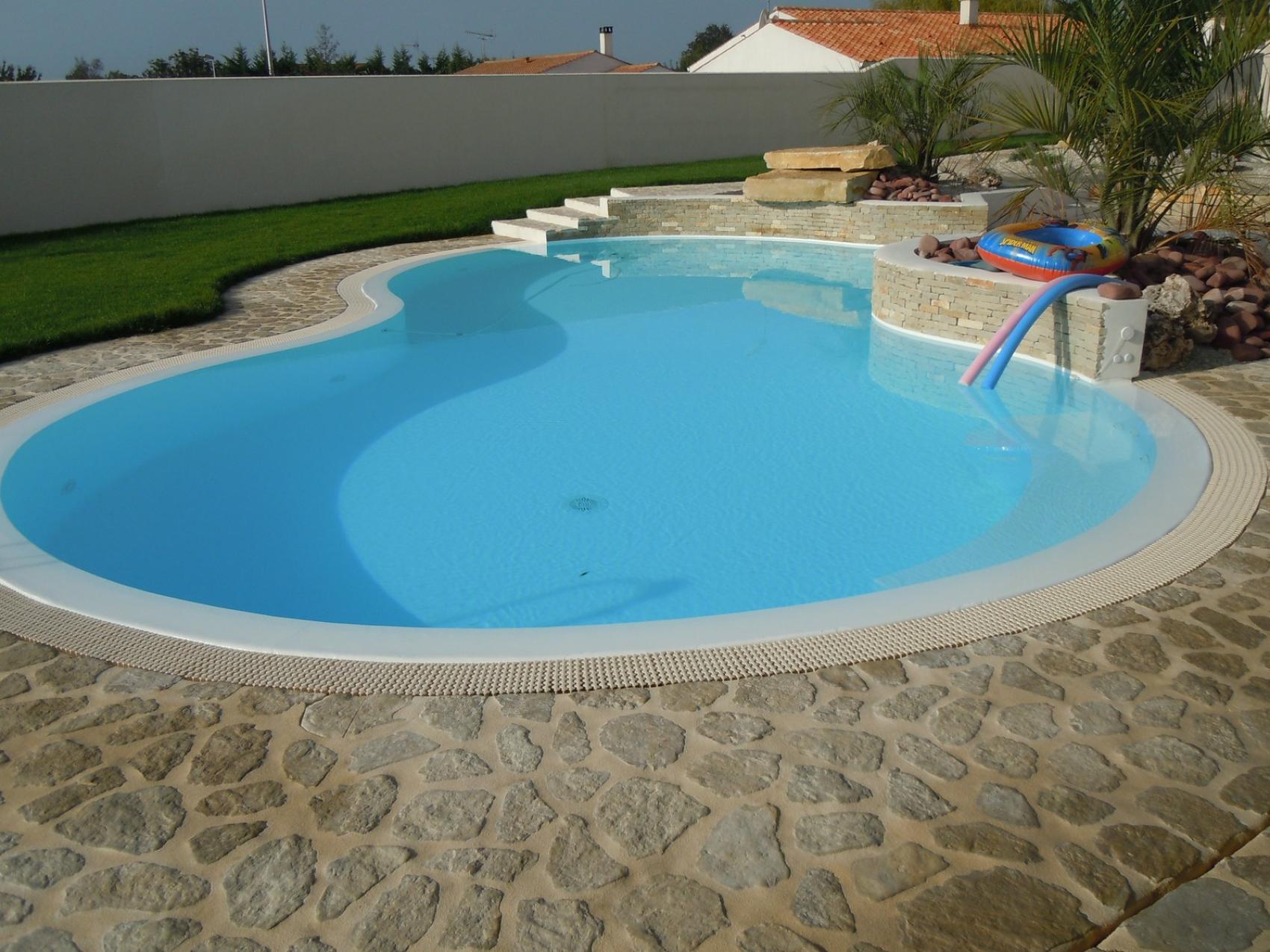 Aydin constructeur piscine la rochelle nous contacter for Construction piscine la rochelle
